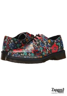 Ready your style for the warmer months with the floral beauty of the 1461 PW 3-Eye by Dr. Martens.