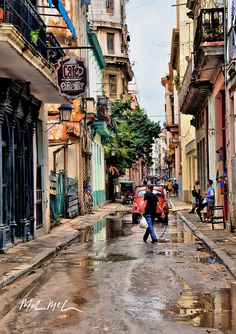 cafe orielly. Streets of Havana, Cuba. Travel photography from Photography Talk. http://www.photographytalk.com/