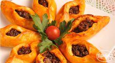 فتافيت - الوصفات - فطاير باللحمة المفرومة (صحن تركي)- Turkish hand pies with minced meat