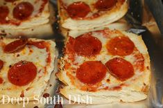 Deep South Dish: Garlic Bread Pizza French Garlic Bread, Garlic Bread Pizza, French Bread Pizza, Pizza Recipes, Snack Recipes, Cooking Recipes, Snacks, Tailgating Recipes, Easy Recipes