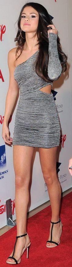 Selena Gomez - Beautiful Women with Amazing Hair
