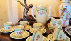 Iconic 1930s Art Deco cottage chic styling. Six dainty demitasse coffee cups and saucers with matching coffee pot, cream jug and sugar bowl. by Alexsprettyvintage on Etsy