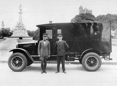 Buenos Aires. Camión blindado del Citibank, 1920. Documento Fotográfico. Inventario 11604.