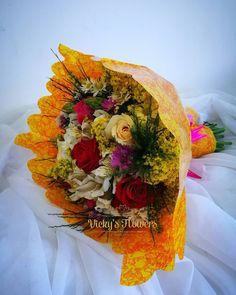 Todas las circunstancias de la vida pasan en el momento de perfecto y lo mejor es darle gracias a Dios...FELIZ MIÉRCOLES FOLLOWERS...NUNCA DESISTAN; PERSISTAN...NADA ES TAN MALO COMO PARECE...#masquefloressomossentimientos #quelasfloresnopasendemoda #bouquetdefloresvf