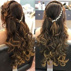 Apr 2020 - 120 bridal hairstyles for your wedding and related ceremonies! Mehndi Hairstyles, Open Hairstyles, Indian Wedding Hairstyles, Ponytail Hairstyles, Bride Hairstyles, Trending Hairstyles, Engagement Hairstyles, Bridal Hair Buns, Natural Wavy Hair