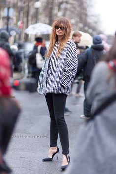 #CarolineDeMaigret throwing some cool around in Paris.
