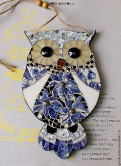 Mosaic owl - make as a wind chime Owl Mosaic, Mosaic Birds, Mosaic Diy, Mosaic Garden, Mosaic Crafts, Mosaic Projects, Stained Glass Projects, Mosaic Wall, Stained Glass Art