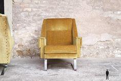 GENTLEMEN DESIGNERS, Mobilier vintage, made in France PAIRE FAUTEUILS VINTAGE, TISSUS JAUNE MOUTARDE