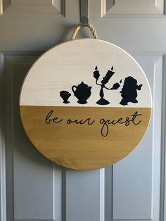 Wooden Door Signs, Front Door Signs, Wooden Doors, Disney Christmas Decorations, Disney Home Decor, Casa Disney, Disney Diy Crafts, Wood Circles, Home Crafts