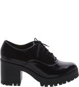 Pré-Venda Inverno Oxford Modern Preto Verniz Salto Tratorado Fashion Shoes, Fashion Outfits, Womens Fashion, Mocassins, Grunge, Gothic, Dream Shoes, Aesthetic Clothes, Cute Shoes
