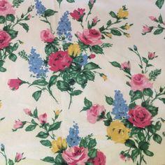 Lavetara vintage barkcloth fabric - pretty 1930s bouquet
