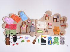 Kesztyűmese interaktív ujjbábkészlet- Jam81, Meska Winter Crafts For Kids, Diy For Kids, Felt Crafts, Paper Crafts, Felt Kids, Felt House, Quiet Book Patterns, First Birthday Gifts, Victorian Dollhouse