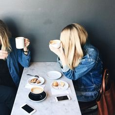 Notting better than coffee with a close friend. And especially not in all denim! Yay