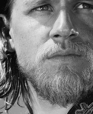 Charlie Hunnam - Sons of Anarchy - Jax