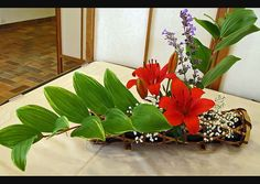 Ikebana by blue-poppy, via Flickr