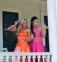 Best friend Prom Pictures Best friend Prom Pictures Proposal Best friend Prom Pictures Related posts:Login - Peachy Fashionable Work Outfit Ideas for Fall & Winter 2020 Homecoming Poses, Homecoming Pictures, Prom Photos, Senior Prom, Dance Photos, Dance Pictures, Prom Pics, Homecoming Signs, Homecoming Hairstyles
