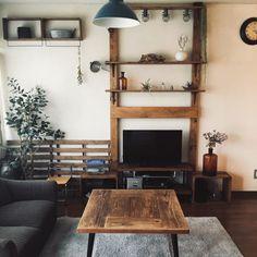 賃貸OK!ディアウォールで収納力を上げて、便利でおしゃれな空間に♡ Interior And Exterior, Ladder Decor, Stage, Shelves, Wood, Handmade, Design, Home Decor, Shelving