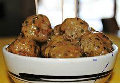 SANDRA'S SENSATIONAL SWEDISH MINI-MEATBALLS APPETIZER (Click on image for recipe folks)...
