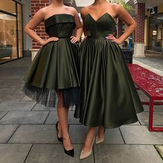 No photo description available. African Fashion Dresses, African Dress, Fashion Outfits, Homecoming Dresses, Bridesmaid Dresses, Dress Skirt, Dress Up, African Traditional Dresses, Short Dresses