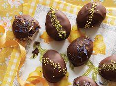 Små påske flødeboller formet som små æg