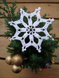 Starry Snowflake Christmas Ornament By Maggie Weldon - Free Crochet Pattern - (ravelry)*** ༺✿ƬⱤღ✿༻