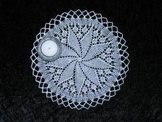 Lille Flacon Lace Knitting, Christmas, Threading, Yule, Navidad, Xmas, Crochet Lace, Christmas Music, Natal