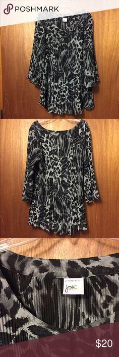 Beautiful Black & White Pleated Blouse Beautiful Black & White Pleated Blouse Lms Tops Blouses
