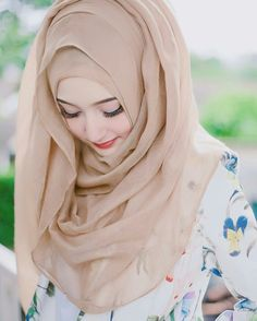 Image uploaded by Farhan Ahmad. Find images and videos about so cute, girl dp and lovley girl on We Heart It - the app to get lost in what you love. Beautiful Hijab Girl, Beautiful Muslim Women, Beautiful Girl Photo, Niqab Fashion, Modern Hijab Fashion, Girl Fashion, Hijabi Girl, Girl Hijab, Hijab Style Tutorial