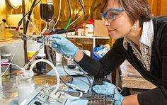 Diseñan batería recargable y rellenable con electrodoslíquidos