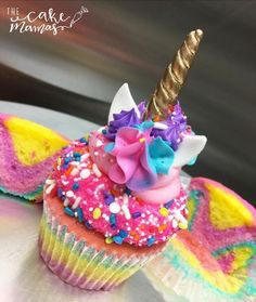 Unicorn cupcakes-picture only Cupcakes Arc-en-ciel, Rainbow Cupcakes, Unicorn Cupcakes, Cake Cookies, Cupcake Cakes, Unicorn Birthday Cakes, Themed Cupcakes, Yummy Treats, Sweet Treats
