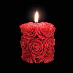 パッションレッドS - 夢幻的なデザインキャンドル by Volcanica Candles
