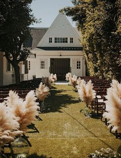 Pampas grass is the unexpected plant making its way into all kinds of weddings this year (beach, backyard, woods and more). Here, 27 photos full of pampas grass wedding decor inspo. Wedding Aisles, Wedding Ceremony Ideas, Wedding Aisle Decorations, Wedding Themes, Wedding Venues, Wedding Designs, Food Decorations, Ceremony Signs, Gown Wedding