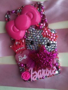 really?? super glue and glitter to make your phone look like this. Cute!!!!!