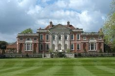 Trends are the toughest thing to maintain when the subject is home and landscape design. English Architecture, Neoclassical Architecture, English Manor Houses, English Castles, Casa Steampunk, Georgian Style Homes, Old Mansions, Castle House, Le Palais
