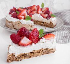 Mini Strawberry Shortcake Recipe by gracealone Fruit Recipes, Cheesecake Recipes, Sweet Recipes, Dessert Recipes, Brownie Cheesecake, Healthy Cheesecake, Pie Recipes, Baking Recipes, Dinner Recipes
