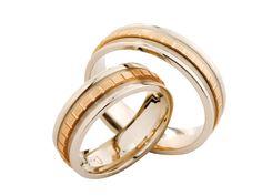 Anillos de matromonio de oro amarillo Couple Rings, Wedding Bands, Engagement Rings, Jewelry, Yellow, Rings, Gold, Enagement Rings, Wedding Rings