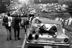 The road to Woodstock (1969) (LIFE)