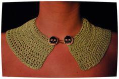 Crochet collar//cross-stitch buttons