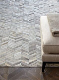 Fußboden Teppich Lederteppich 100% Leder Carpet Design GAUCHO RUG 120x170 cm Grau/Beige Winkel Kadimadesign http://www.amazon.de/dp/B017KNHVTM/ref=cm_sw_r_pi_dp_ZZWowb17MWR10