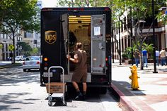 What's it really like to be a UPS driver? Here are some little-known facts from drivers who did their time. - 19 Secrets of UPS Drivers Us Postal Service, United Parcel Service, Truck Transport, People Shopping, Online Shopping, Inevitable, Fun Facts, The Secret, The Unit
