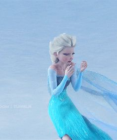 Elsa breaking down when she thinks that she killed her own sister Anna Frozen Queen, Frozen Elsa And Anna, Disney Frozen Elsa, Queen Elsa, Frozen Fan Art, Frozen Film, Frozen Wallpaper, Disney Wallpaper, Pixar