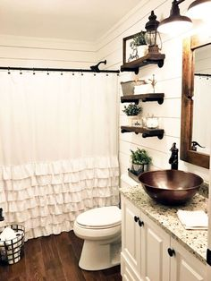 32 Rustic Bathroom Ideas Improve Home Sweet Home, Fill your house with things you adore. Decorating your house is a significant part making it feel like it's truly your abode. Lastly, have fun and mak. Interior Design Minimalist, Minimalist Decor, Modern Farmhouse Bathroom, Farmhouse Small, Rustic Farmhouse, Fresh Farmhouse, Farmhouse Ideas, Rustic Barn, Farmhouse Remodel