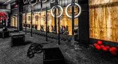 http://www.firstratefitness.net/wp-content/uploads/2015/12/crossfit-gym.jpg