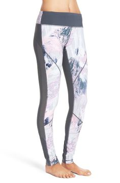 Graphic leggings that are ideal for both working out or wearing out! Love Zella leggings, and the purple daylight print available during the Anniversary Sale is so cute!