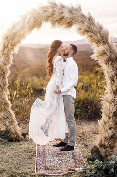 Pampas grass wedding trend that came from the seventies is appropriate for your wedding! We consider best decor ideas in our gallery. Elope Wedding, Boho Wedding Dress, Wedding Day, Wedding Dresses, Wedding Ceremony, Wedding Bride, Wedding Stuff, Wedding Flowers, Wedding Trends