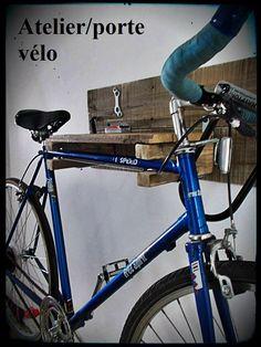 porte vélo qui fait aussi atelier! 90$ #diy #palet #palette #bois #wood #woodwork #atelier #studio #Montréal #tools #outils