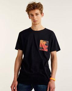 T-shirt with tropical print pocket - T-shirts - Clothing - Man - PULL&BEAR United Kingdom
