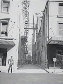 Looking south along York Lane from Erskine St,Sydney in 1938. •City of Sydney Archives•   🌹