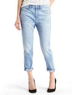 Here at InStyle we understand the importance of a good pair of jeans. So we turned to the experts to compile a guide to the best jeans for every single body shape.