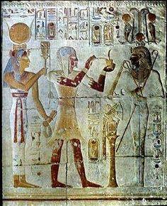 """En Babilonia,al médico se le conocía como """"asu"""" que significa """"conocedor de los aceites"""". #historia"""